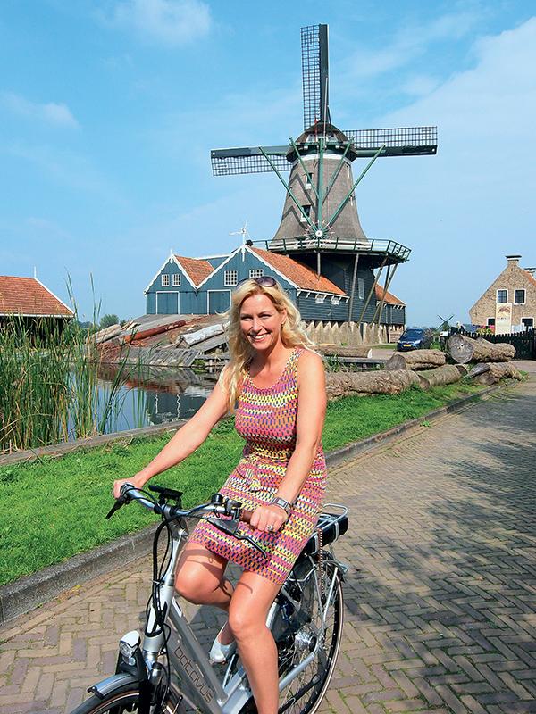 Wietske de Jong in IJlst, bij houtzaagmolen De Rat, voor de Leeuwarden Friesland 2018 campagne.